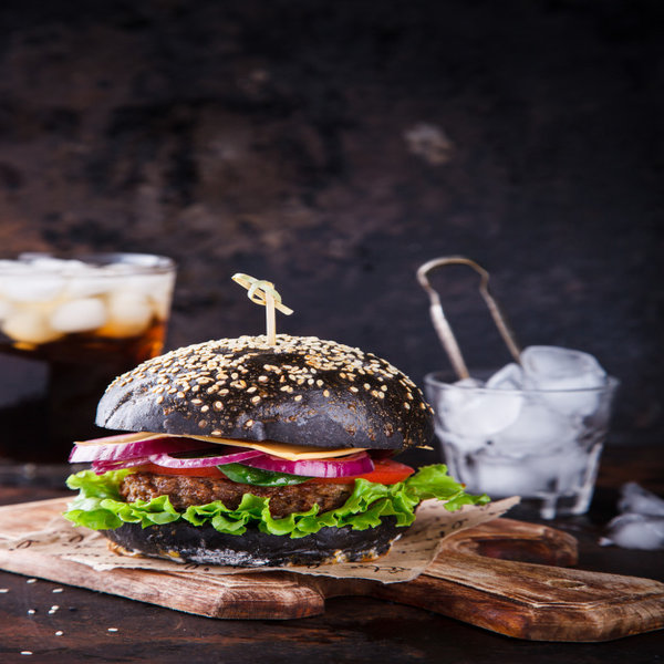 Cara membuat burger hitam